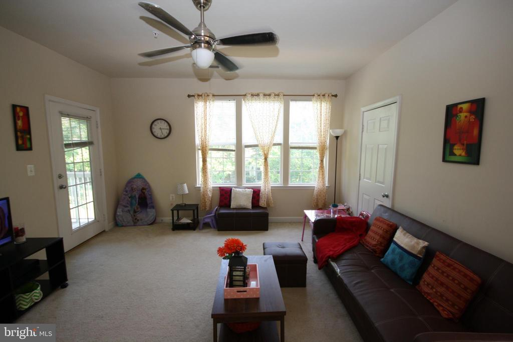 Light filled, Spacious Living/Family Room - 22691 BLUE ELDER TER #204, BRAMBLETON