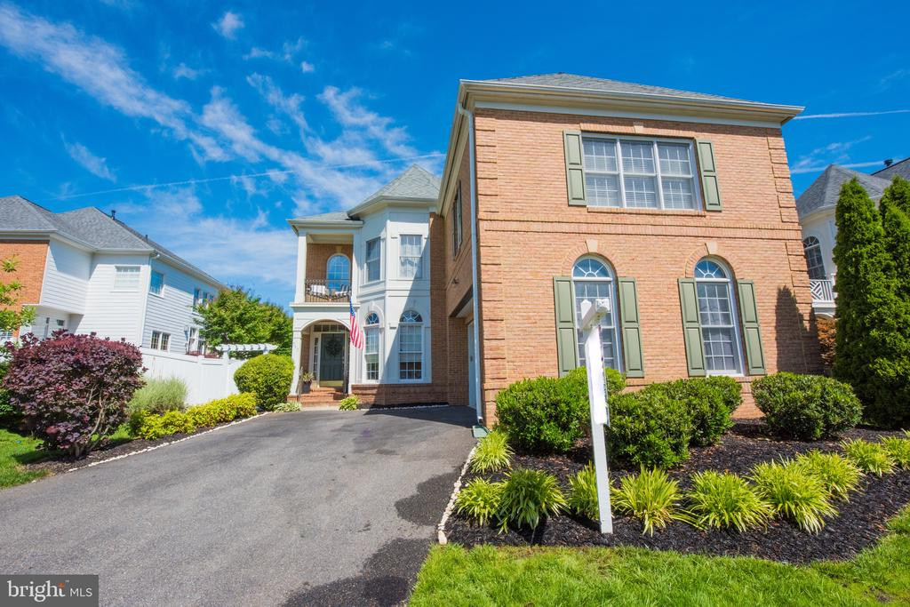 Welcome to 717 Crisfield Way! - 717 CRISFIELD WAY, ANNAPOLIS
