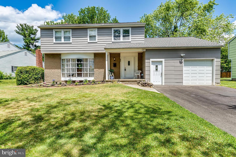 Single Family Homes 为 销售 在 Edgewater Park, 新泽西州 08010 美国