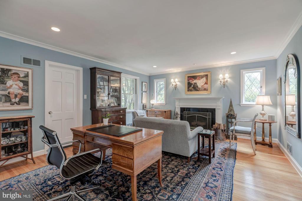 Main Level - Den with Fireplace - 4070 52ND ST NW, WASHINGTON
