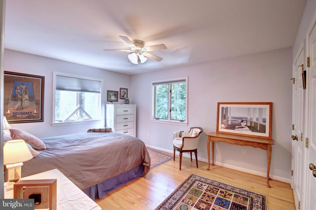 Bedroom #4 w/ 2 Closets - 12729 MYERSVILLE LN, LEESBURG