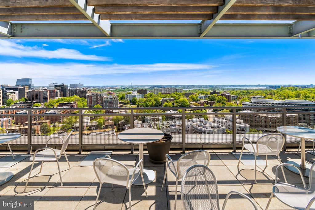 Rooftop Terrace & View - 2001 15TH ST N #1004, ARLINGTON