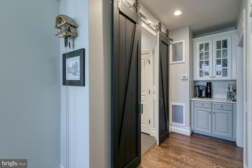 Barn Doors to Mudroom/Laundry, Butler's Pantry - 21079 MILL BRANCH DR, LEESBURG