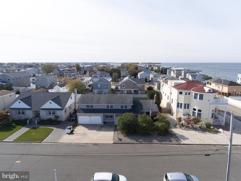 Single Family Homes vì Bán tại Ship Bottom, New Jersey 08008 Hoa Kỳ