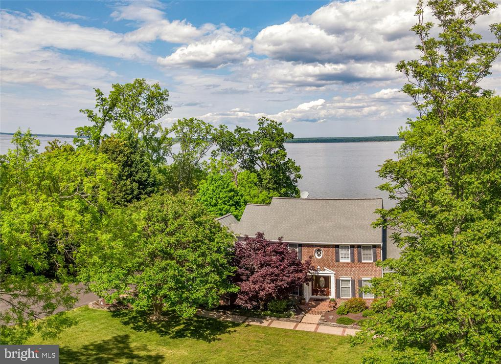 Waterfront home w/ panoramic views of the Potomac - 19 POTOMAC OVERLOOK LN, STAFFORD