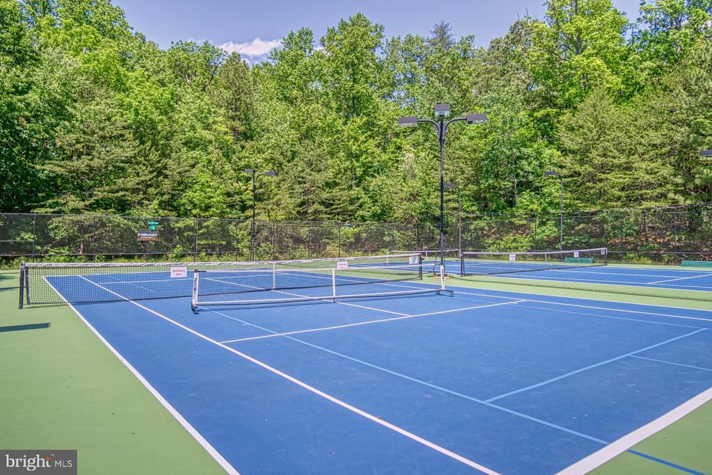Autumnwood Tennis Courts - 11959 GREY SQUIRREL LN, RESTON
