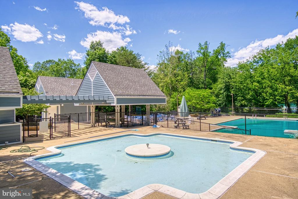 Autumnwood Pool - 11959 GREY SQUIRREL LN, RESTON