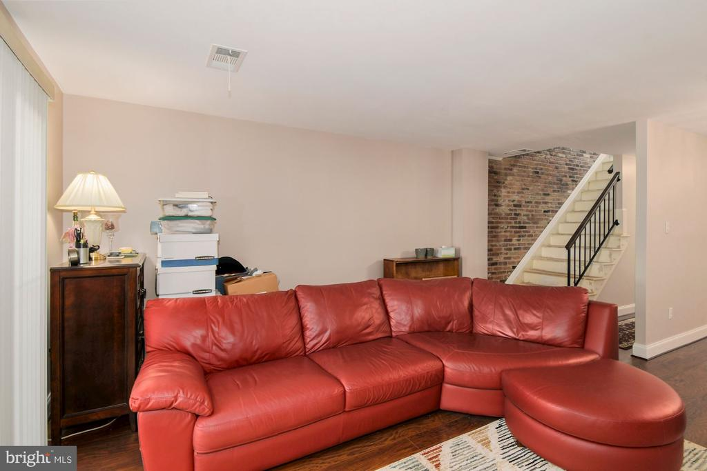 - 3869-B STEPPES CT, FALLS CHURCH