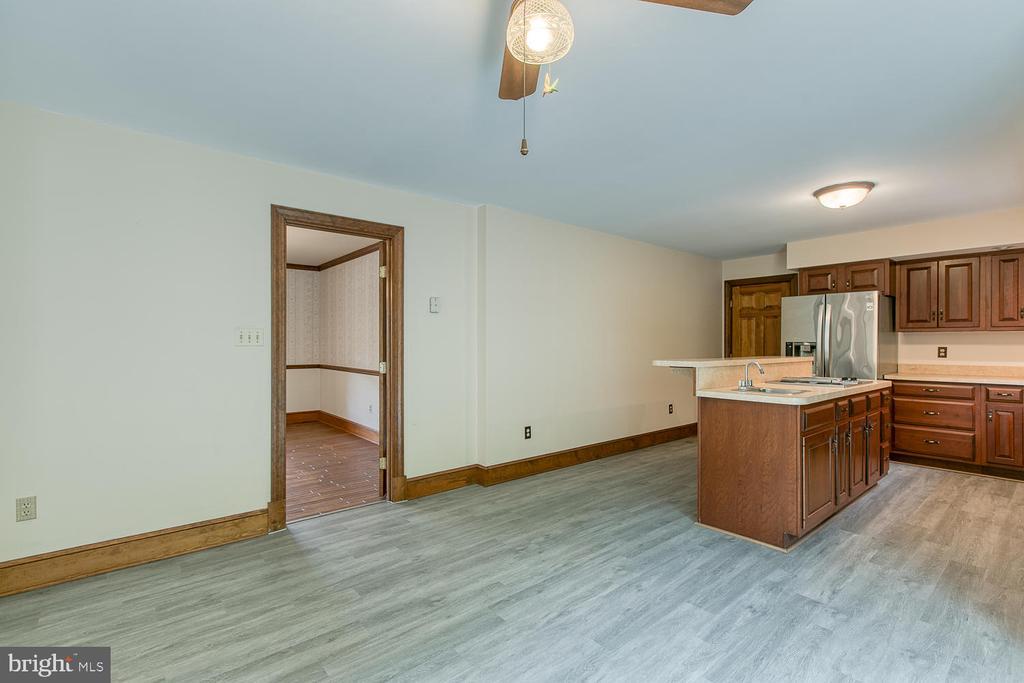 New LVP flooring! - 7185 REBEL DR, WARRENTON