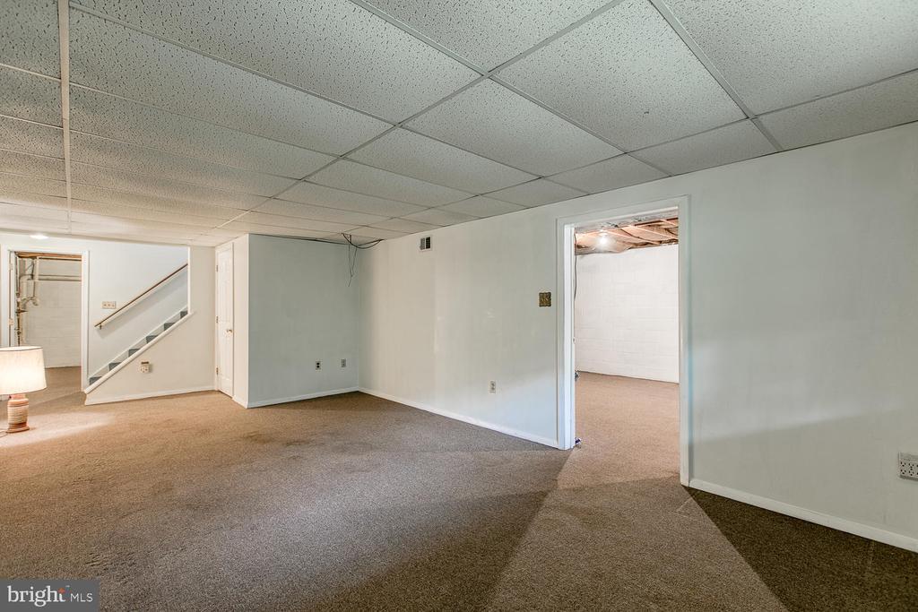Basement fnished rec room - 7185 REBEL DR, WARRENTON
