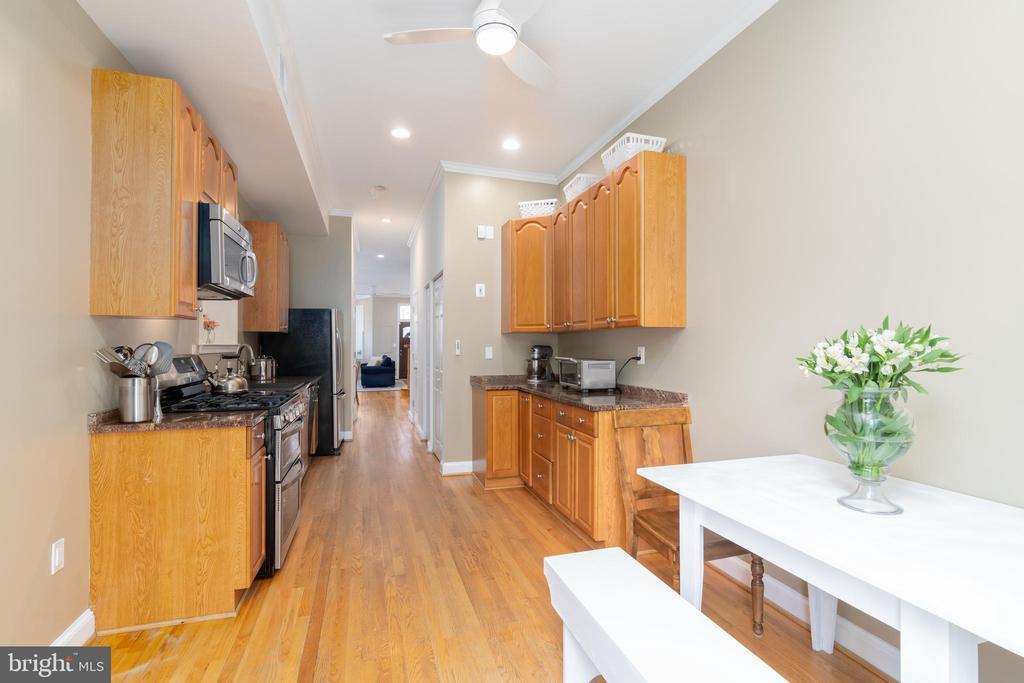 Large Kitchen - 1839 9TH ST NW, WASHINGTON