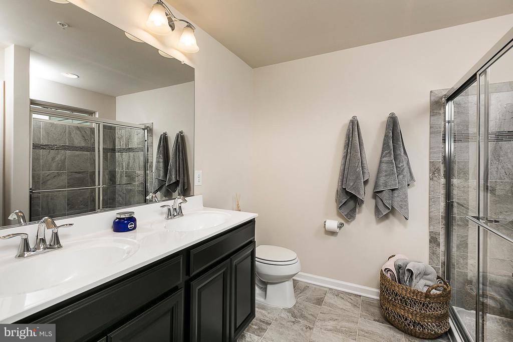 Master Bathroom - 8472 HEDWIG LN, FREDERICK