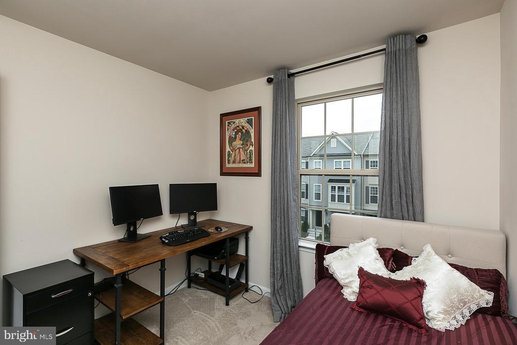 Bedroom 3 (alt view) - 8472 HEDWIG LN, FREDERICK