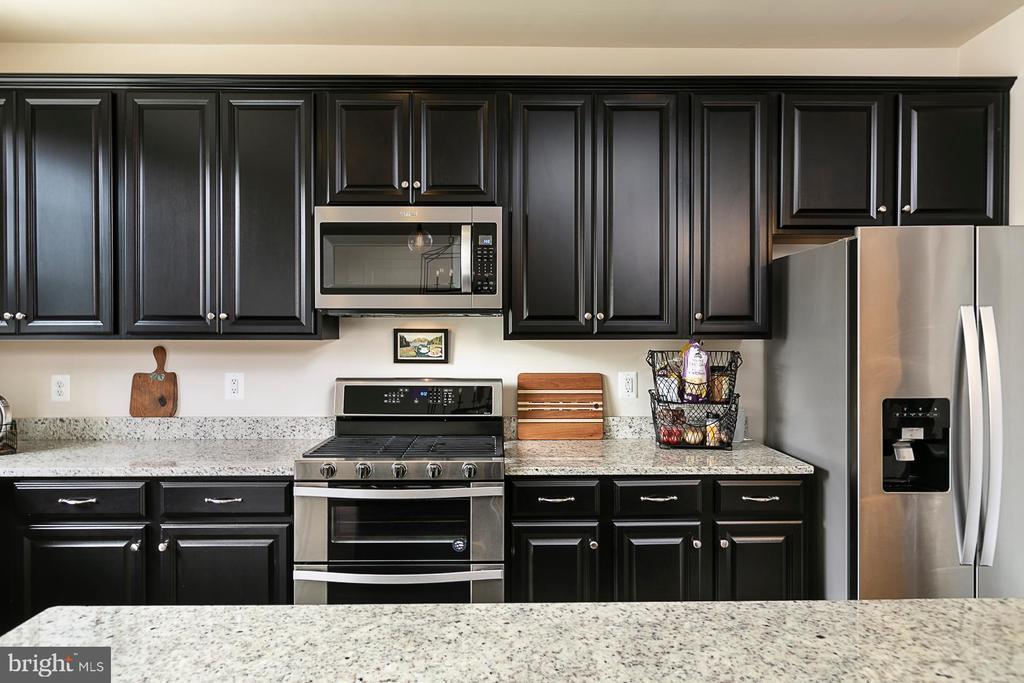 Kitchen (alt view) - 8472 HEDWIG LN, FREDERICK