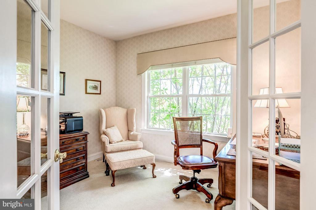 French Doors for Home Office - 37986 KITE LN, LOVETTSVILLE