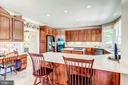 42 Inch Cherry Cabinets - 37986 KITE LN, LOVETTSVILLE