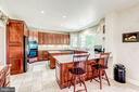 Gorgeous Country Kitchen - 37986 KITE LN, LOVETTSVILLE