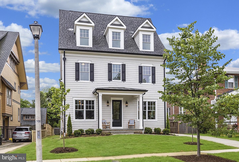Single Family Homes のために 売買 アット Arlington, バージニア 22201 アメリカ