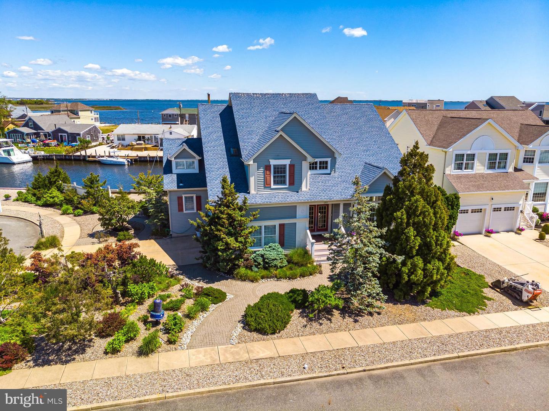 Single Family Homes 为 销售 在 Lanoka Harbor, 新泽西州 08734 美国