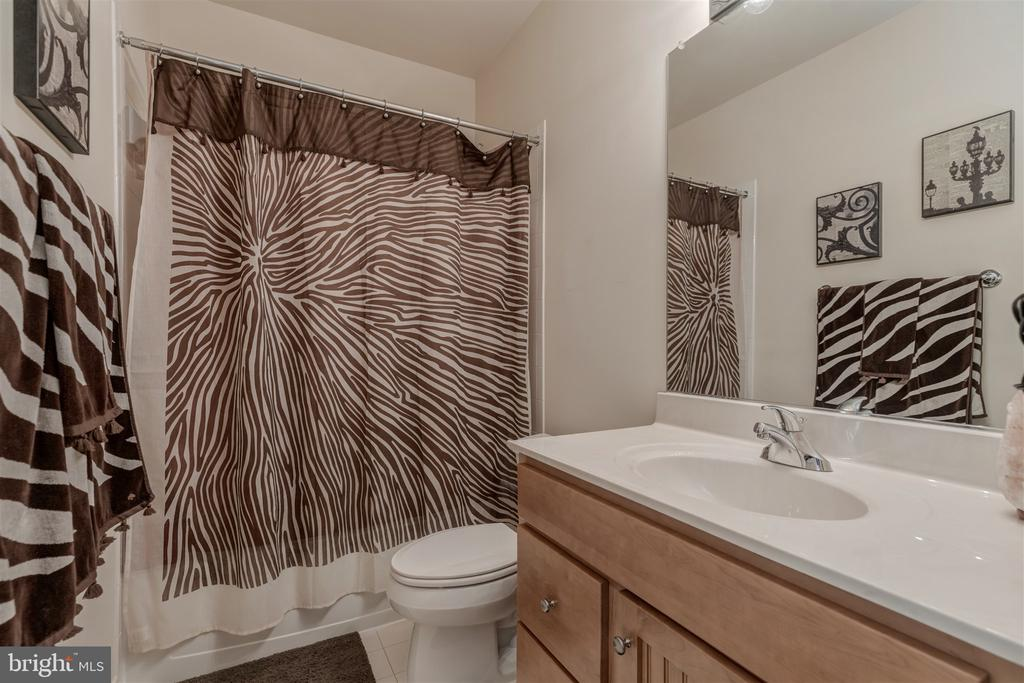 Lower Level Bath - 7676 OAK FIELD CT, SPRINGFIELD