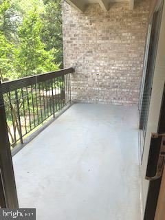 Spacious balcony for outdoor living - 3031 BORGE ST #205, OAKTON