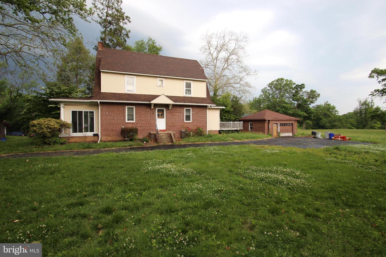 Single Family Homes per Vendita alle ore Chester, Pensilvania 19013 Stati Uniti