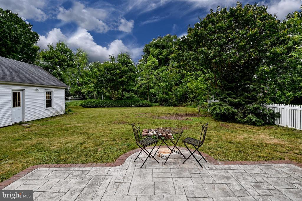 Large Backyard / Patio - 106 VALLEY VIEW PL, FREDERICKSBURG