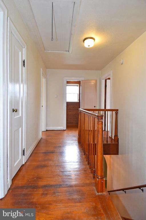 Hallway - 106 VALLEY VIEW PL, FREDERICKSBURG