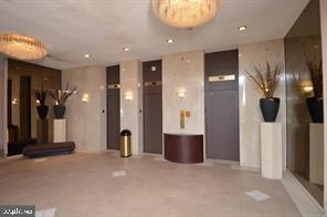 Elevators on main level - 301 S REYNOLDS ST #601, ALEXANDRIA