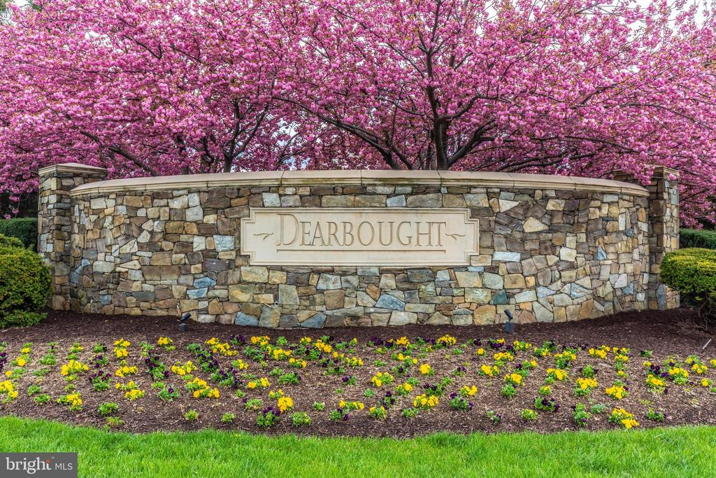 - 1727 DEARBOUGHT DR, FREDERICK