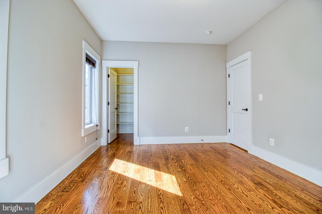 main level in-law bedroom ( bedroom 6) - 7627 LISLE AVE, FALLS CHURCH