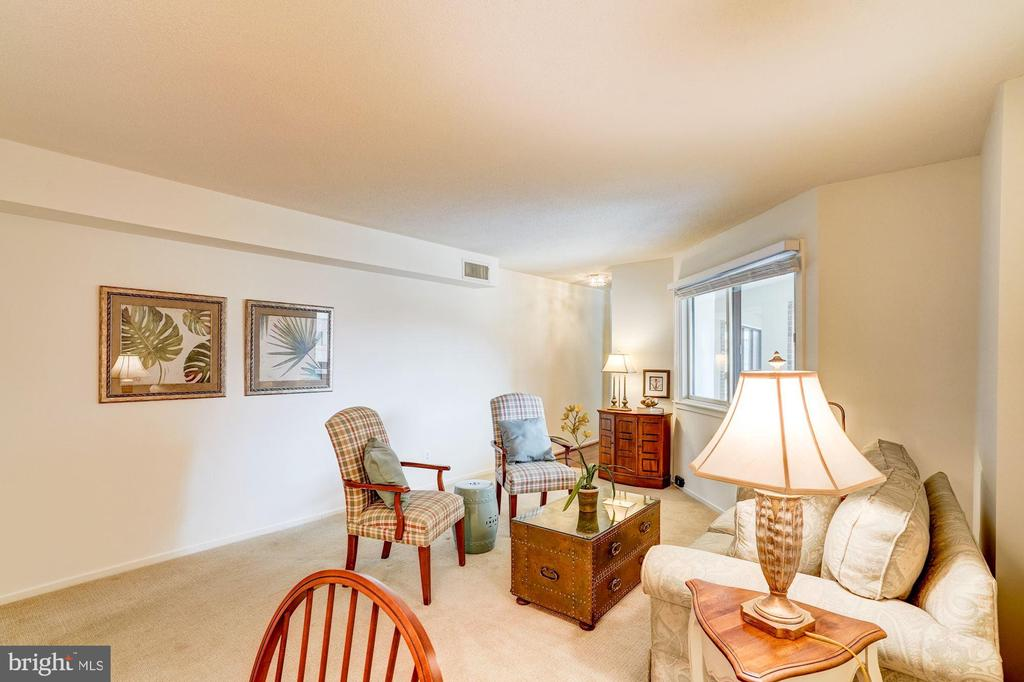 Living and Dining area - 1951 SAGEWOOD LN #315, RESTON