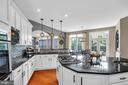 Natural Light filled Kitchen - 19544 ROYAL AUTUMN LN, LEESBURG