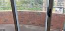 Private brick balcony - 301 S REYNOLDS ST #601, ALEXANDRIA