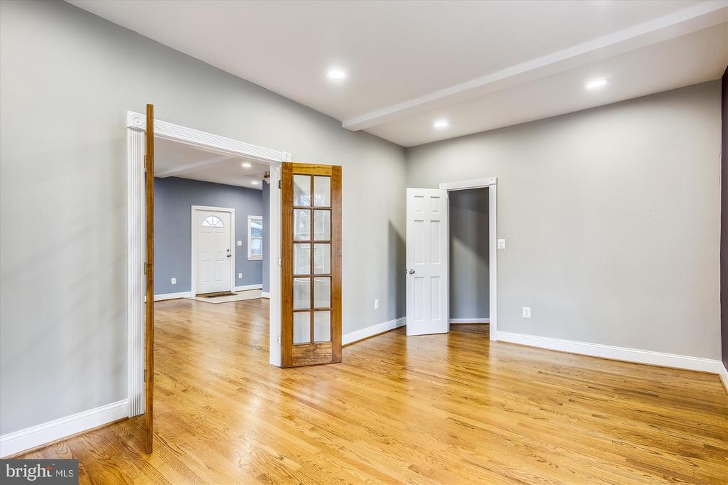 French doors to office/bedroom - 4707 FORDHAM RD, COLLEGE PARK