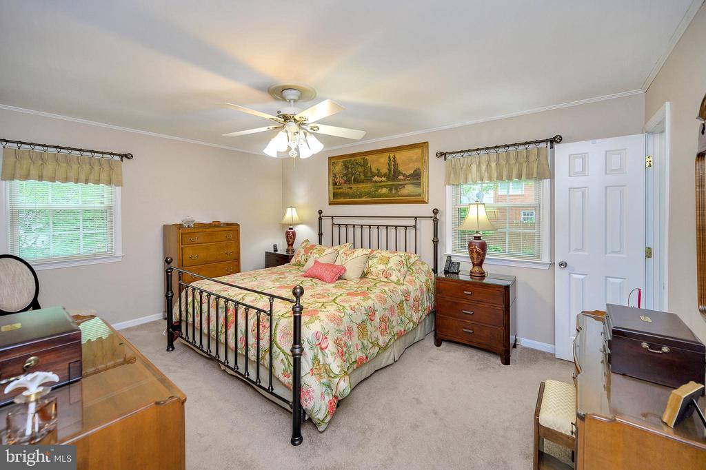 Master bedroom  4 new carpet, ceiling fan - 508 GLENEAGLE DR, FREDERICKSBURG