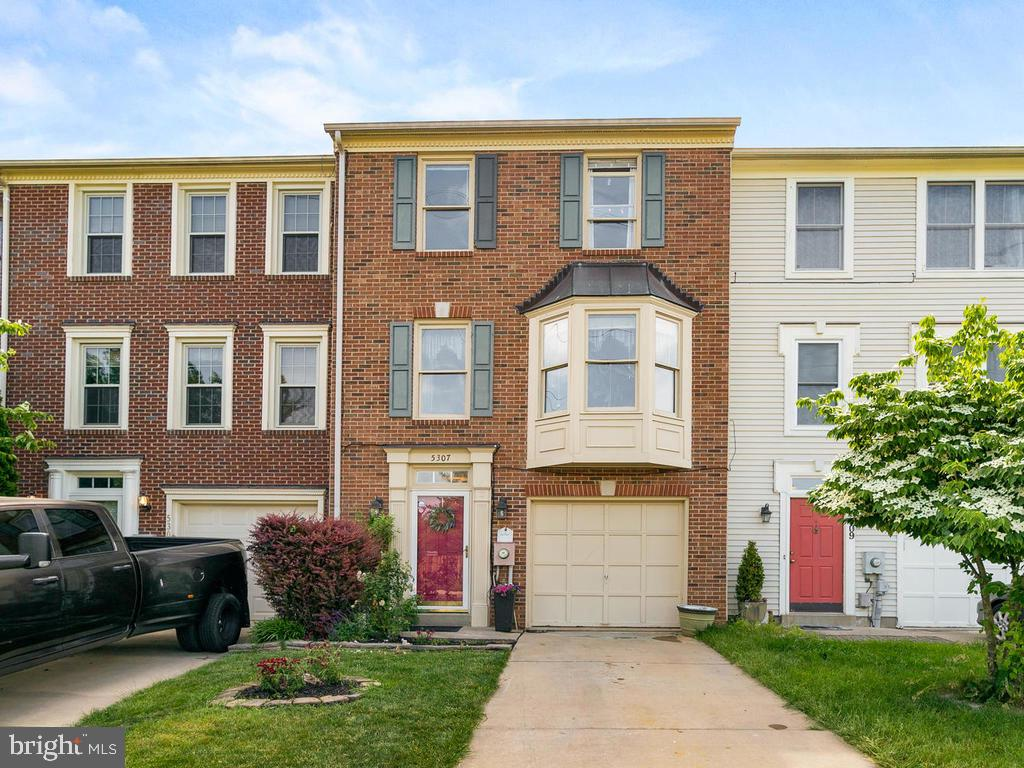 Lovely spacious Townhome in Kingsbrook! - 5307 DUKE CT, FREDERICK