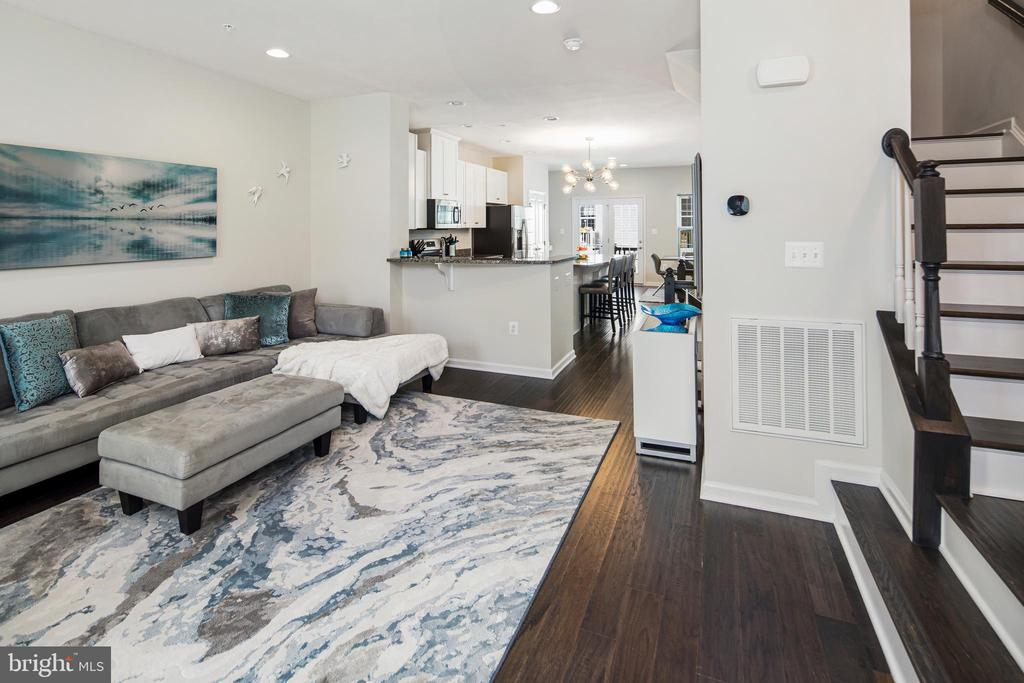 Open concept living and kitchen - 8206 MINER ST, GREENBELT