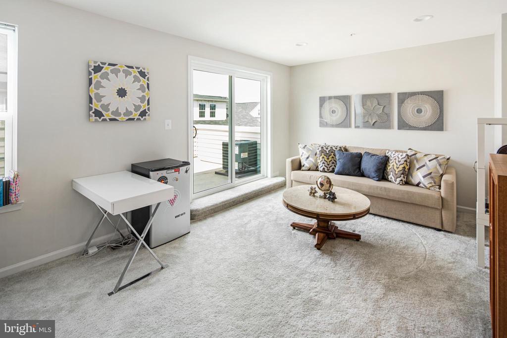 3rd Bedroom or Flex Space - 8206 MINER ST, GREENBELT