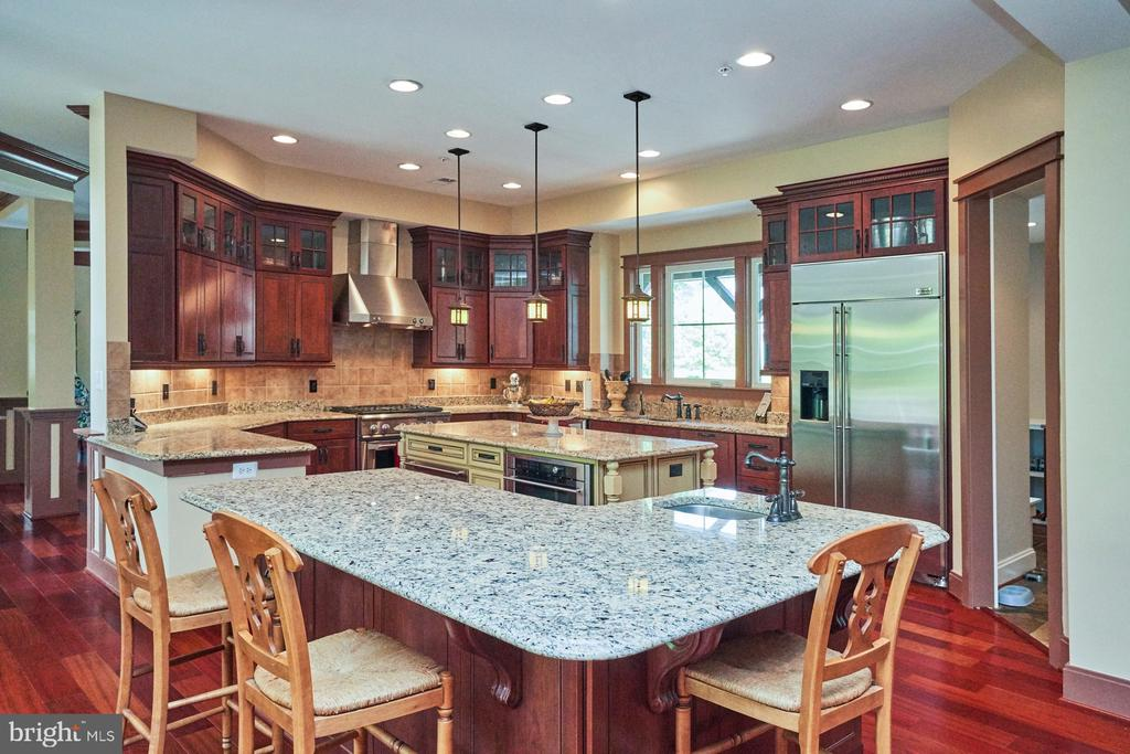 Recessed lighting throughout; Fresh Paint too - 14428 EAGLE ISLAND CT, GAINESVILLE