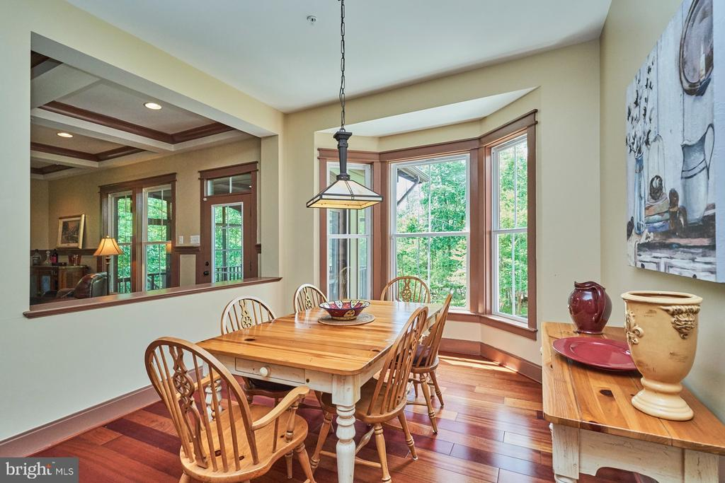 Breakfast  Nook with Bay Window for extra space - 14428 EAGLE ISLAND CT, GAINESVILLE