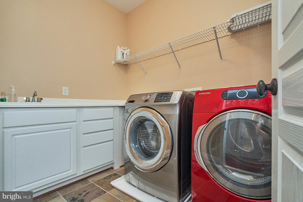 Upper Level Laundry Room - 14428 EAGLE ISLAND CT, GAINESVILLE