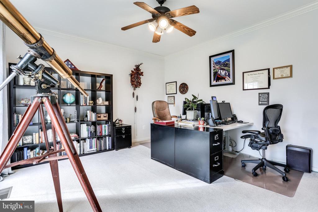 Private office/den - 11016 DORSCH FARM RD, ELLICOTT CITY