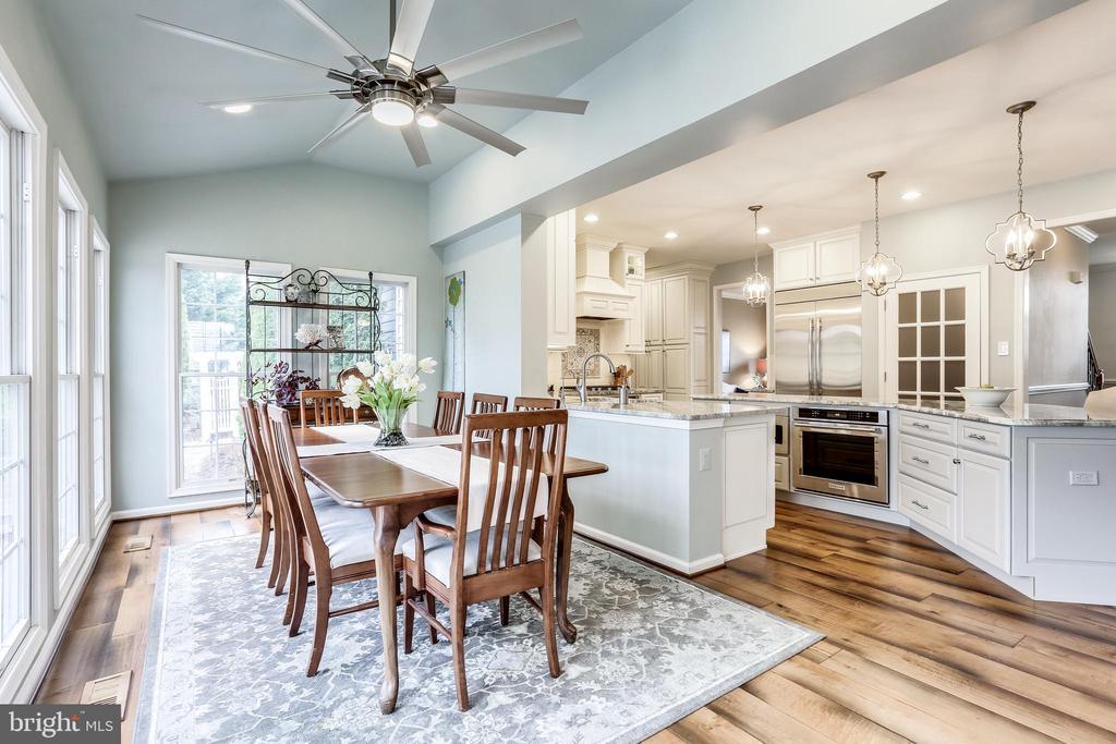 Open concept gourmet kitchen and dining - 11016 DORSCH FARM RD, ELLICOTT CITY