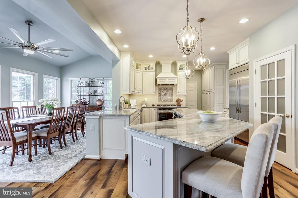 Fully renovated custom gourmet kitchen - 11016 DORSCH FARM RD, ELLICOTT CITY