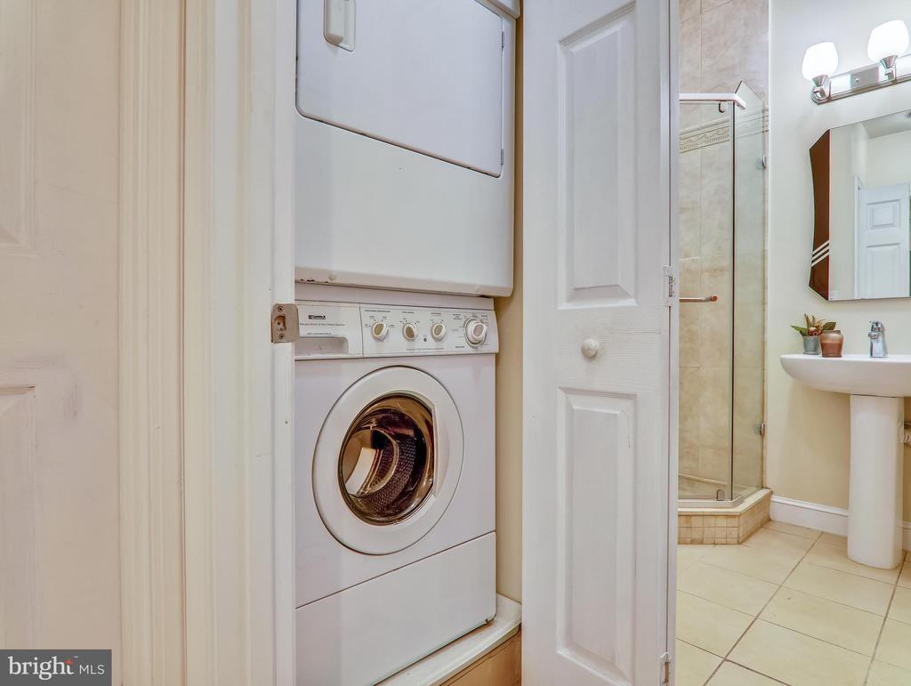 In-unit laundry - 3350 17TH ST NW #T2, WASHINGTON