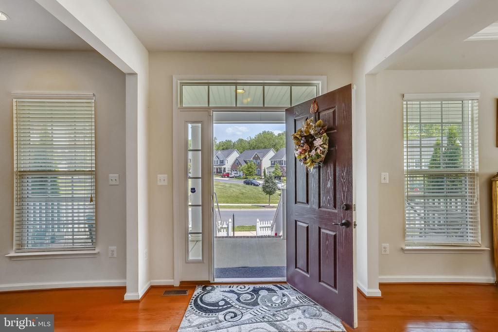 Inviting Foyer Entrance - 22362 BRIGHT SKY DR, CLARKSBURG