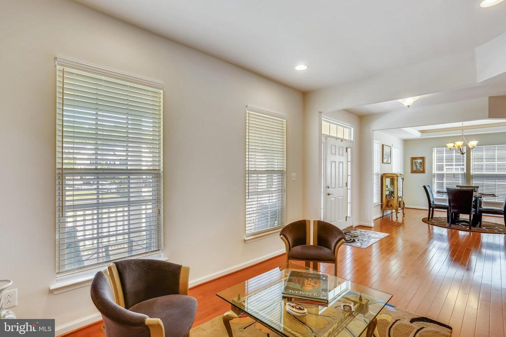 Main level with gleaming wood floors thruout - 22362 BRIGHT SKY DR, CLARKSBURG