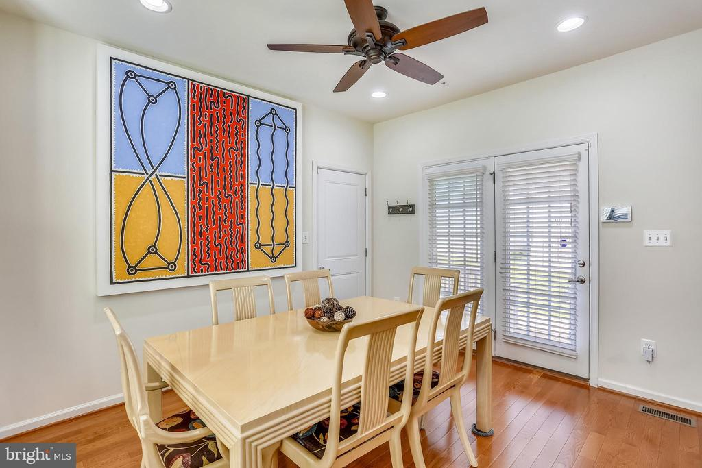 Breakfast room with exit to patio - 22362 BRIGHT SKY DR, CLARKSBURG