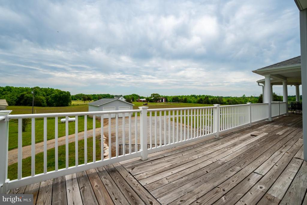 Wrap around deck overlooking garage and barns - 160 WILLOWDALE LN, FREDERICKSBURG